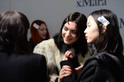 backstage-maxmara-milan-fashion-week-autumn-winter-2014-00062