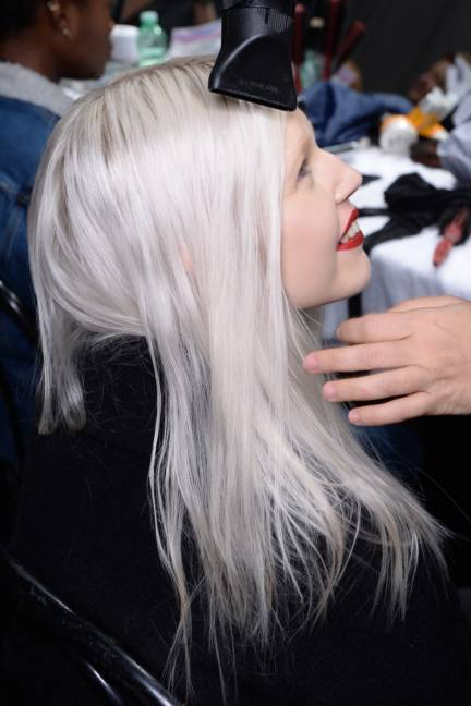 backstage-maxmara-milan-fashion-week-autumn-winter-2014-00071