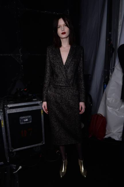 backstage-maxmara-milan-fashion-week-autumn-winter-2014-00112