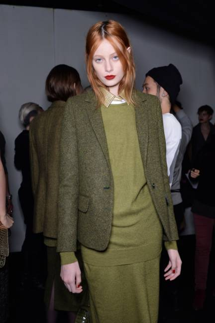 backstage-maxmara-milan-fashion-week-autumn-winter-2014-00124