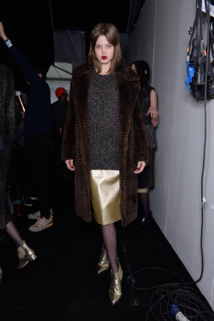 backstage-maxmara-milan-fashion-week-autumn-winter-2014-00155