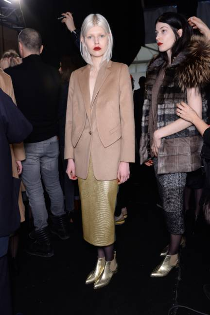 backstage-maxmara-milan-fashion-week-autumn-winter-2014-00161