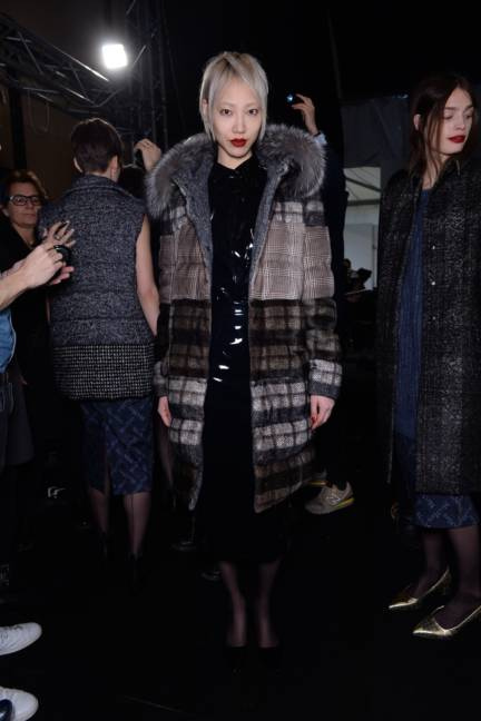 backstage-maxmara-milan-fashion-week-autumn-winter-2014-00168