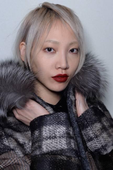 backstage-maxmara-milan-fashion-week-autumn-winter-2014-00178