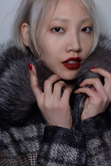 backstage-maxmara-milan-fashion-week-autumn-winter-2014-00179