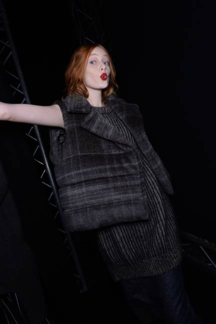backstage-maxmara-milan-fashion-week-autumn-winter-2014-00181