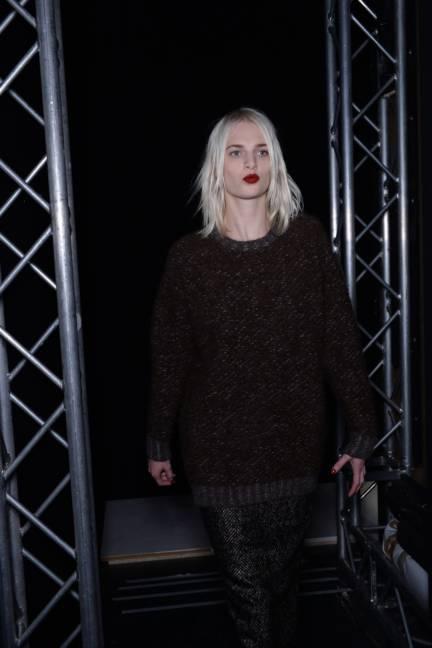 backstage-maxmara-milan-fashion-week-autumn-winter-2014-00185