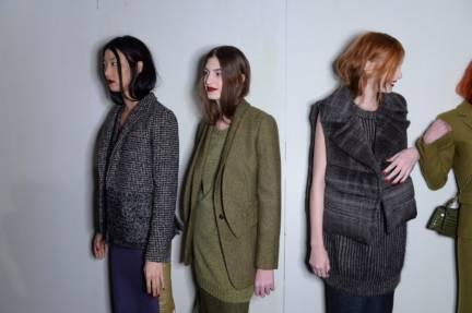 backstage-maxmara-milan-fashion-week-autumn-winter-2014-00187