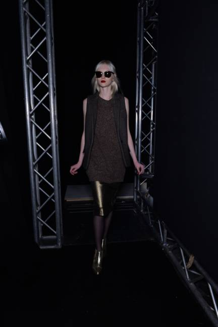 backstage-maxmara-milan-fashion-week-autumn-winter-2014-00188