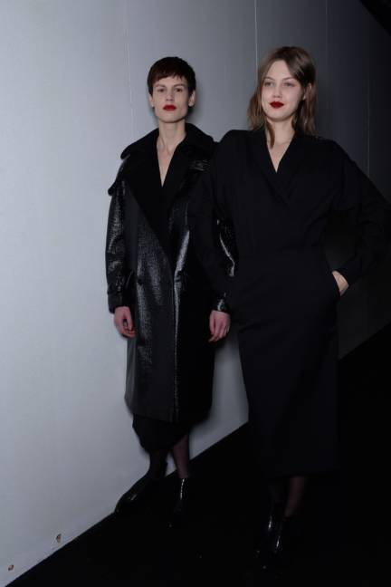 backstage-maxmara-milan-fashion-week-autumn-winter-2014-00197