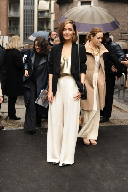 rose_byrne__next_2014_wif_max_mara_face_of_the_future_recipient__attending_the_fashion_show-00007