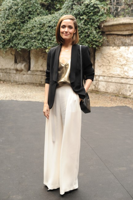 rose_byrne__next_2014_wif_max_mara_face_of_the_future_recipient__attending_the_fashion_show-00008