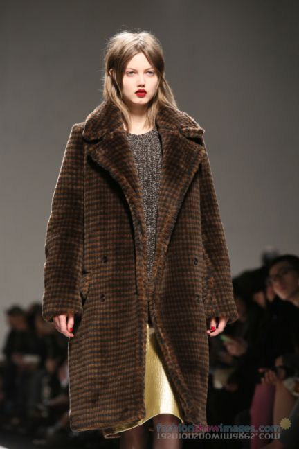 max-mara-milan-fashion-week-autumn-winter-2014-00037