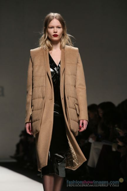 max-mara-milan-fashion-week-autumn-winter-2014-00048