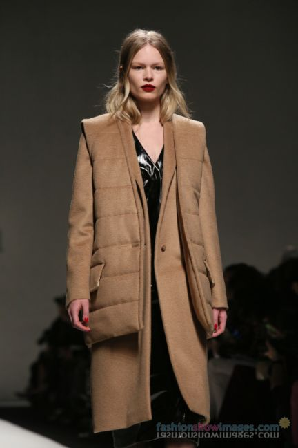 max-mara-milan-fashion-week-autumn-winter-2014-00049