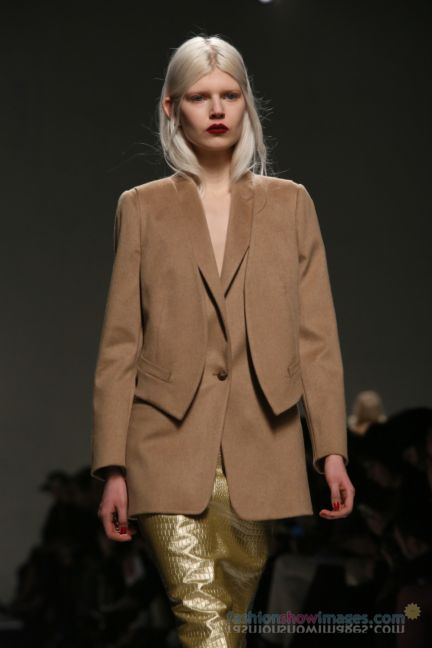 max-mara-milan-fashion-week-autumn-winter-2014-00058