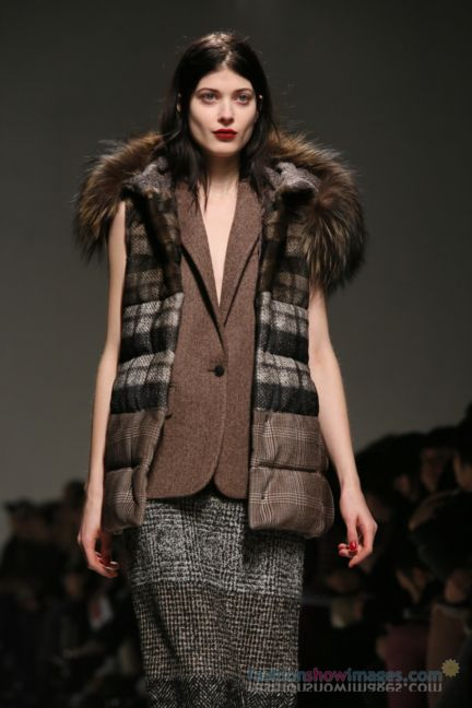 max-mara-milan-fashion-week-autumn-winter-2014-00062
