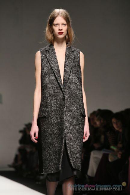 max-mara-milan-fashion-week-autumn-winter-2014-00121
