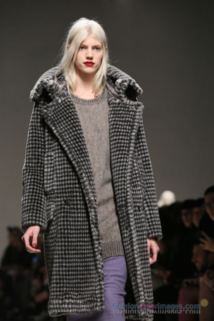 max-mara-milan-fashion-week-autumn-winter-2014-00149