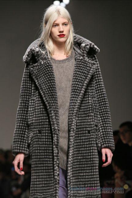 max-mara-milan-fashion-week-autumn-winter-2014-00150