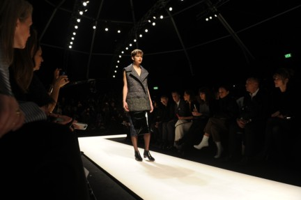 max-mara-parterre-milan-fashion-week-autumn-winter-2014-00030