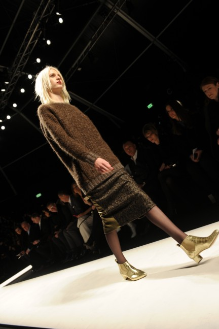 max-mara-parterre-milan-fashion-week-autumn-winter-2014-00032