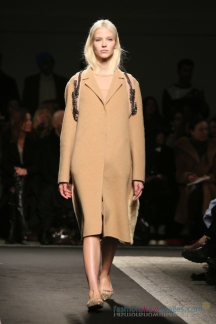 no21-milan-fashion-week-autumn-winter-2014-00012