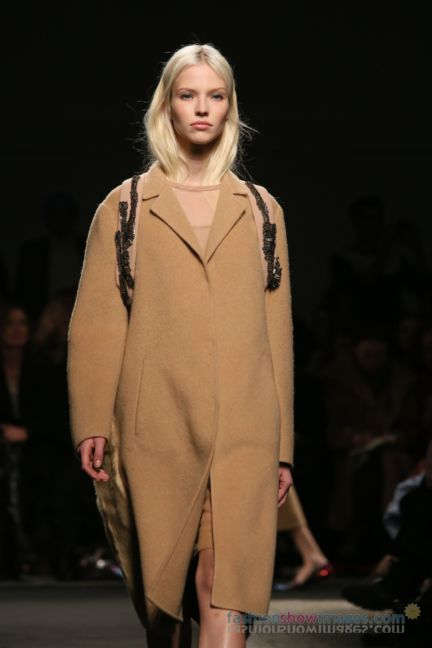 no21-milan-fashion-week-autumn-winter-2014-00014
