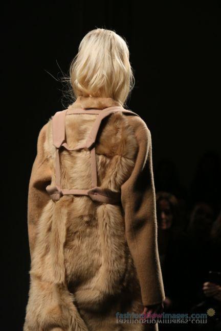 no21-milan-fashion-week-autumn-winter-2014-00015