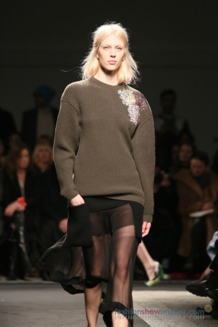 no21-milan-fashion-week-autumn-winter-2014-00029