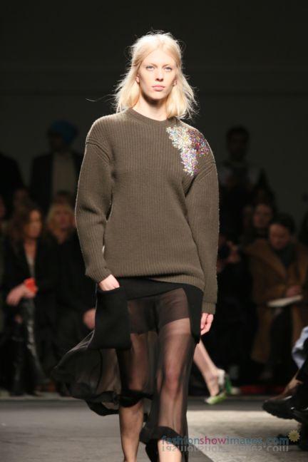 no21-milan-fashion-week-autumn-winter-2014-00029