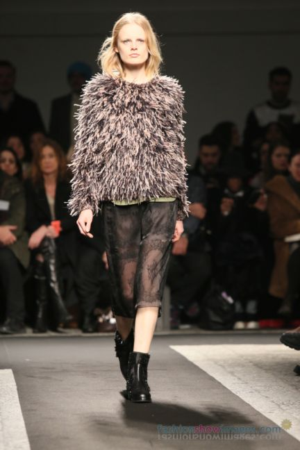 no21-milan-fashion-week-autumn-winter-2014-00045