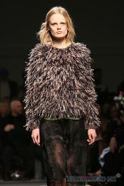 no21-milan-fashion-week-autumn-winter-2014-00047
