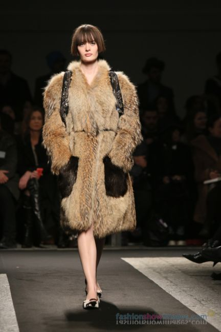 no21-milan-fashion-week-autumn-winter-2014-00069