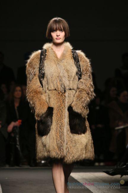no21-milan-fashion-week-autumn-winter-2014-00070