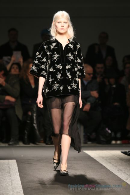 no21-milan-fashion-week-autumn-winter-2014-00115