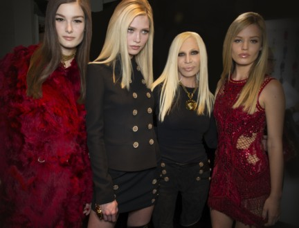 donatella-versace-backstage-milan-fashion-week-autumn-winter-2014-00001