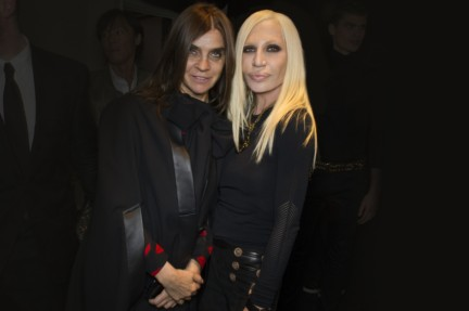 donatella-versace-backstage-milan-fashion-week-autumn-winter-2014-00002