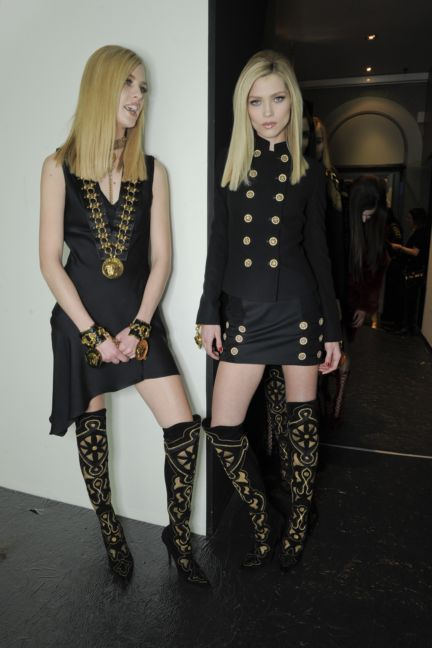 versace-backstage-milan-fashion-week-autumn-winter-2014-00049