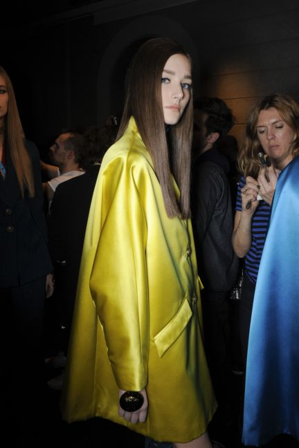 versace-backstage-milan-fashion-week-autumn-winter-2014-00058