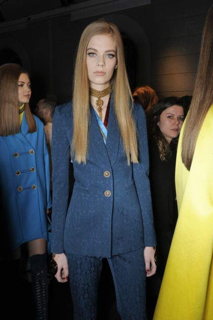 versace-backstage-milan-fashion-week-autumn-winter-2014-00059