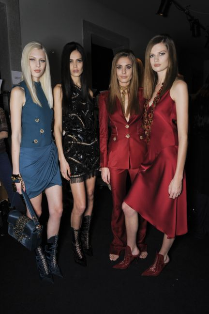 versace-backstage-milan-fashion-week-autumn-winter-2014-00065