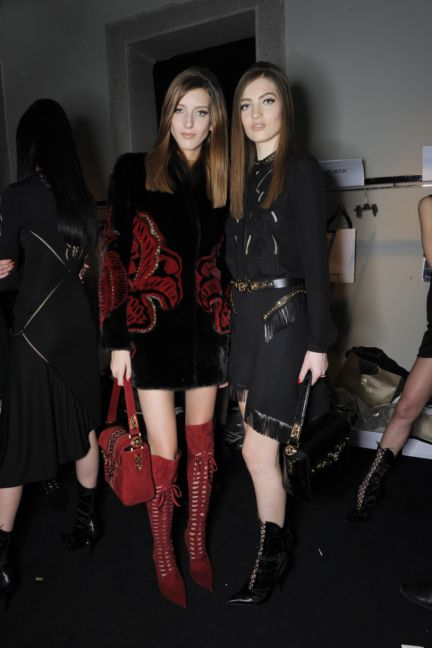 versace-backstage-milan-fashion-week-autumn-winter-2014-00066