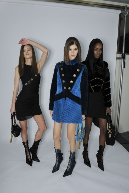 versace-backstage-milan-fashion-week-autumn-winter-2014-00085