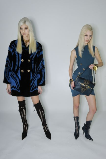 versace-backstage-milan-fashion-week-autumn-winter-2014-00089