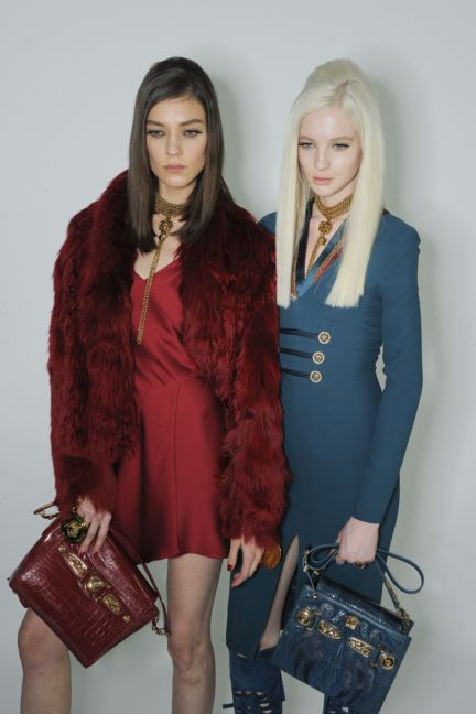 versace-backstage-milan-fashion-week-autumn-winter-2014-00093