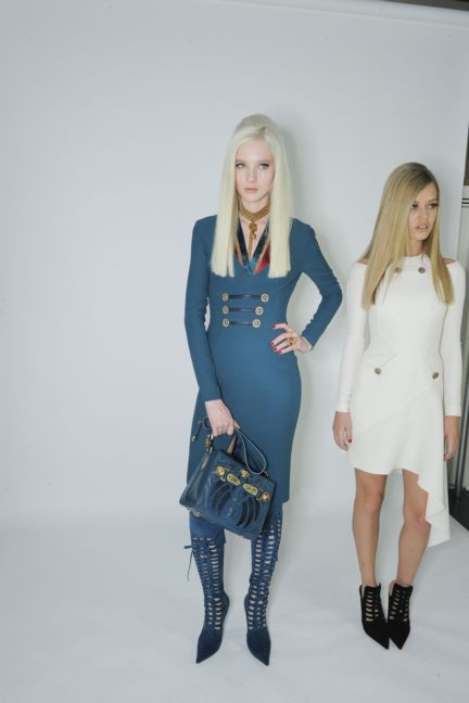 versace-backstage-milan-fashion-week-autumn-winter-2014-00094