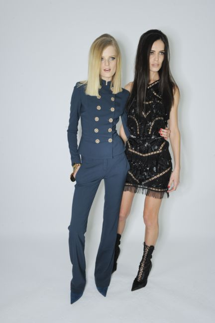 versace-backstage-milan-fashion-week-autumn-winter-2014-00097