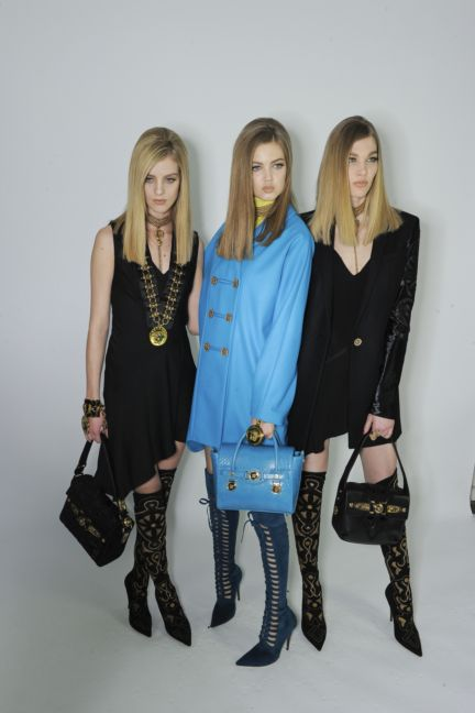 versace-backstage-milan-fashion-week-autumn-winter-2014-00104