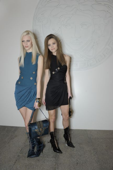 versace-backstage-milan-fashion-week-autumn-winter-2014-00158